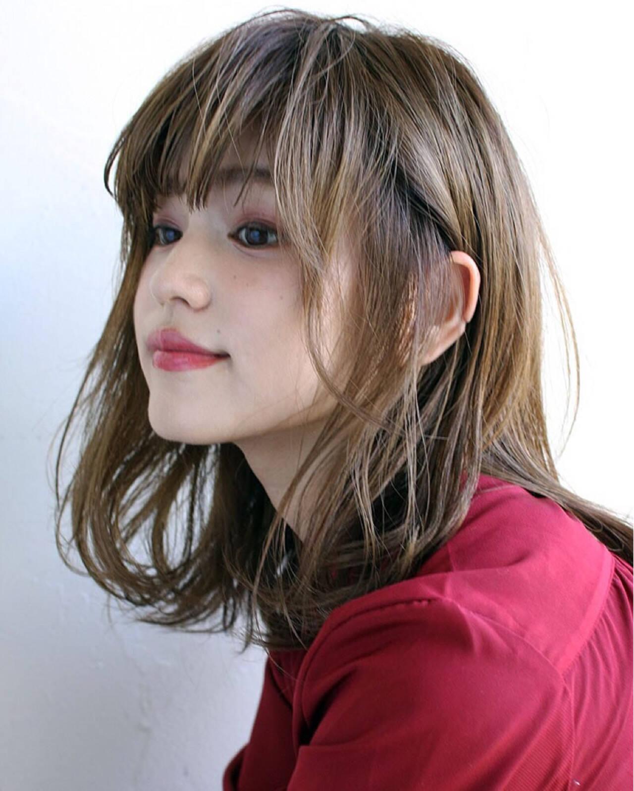 アッシュ 大人かわいい 色気 ミディアムヘアスタイルや髪型の写真・画像