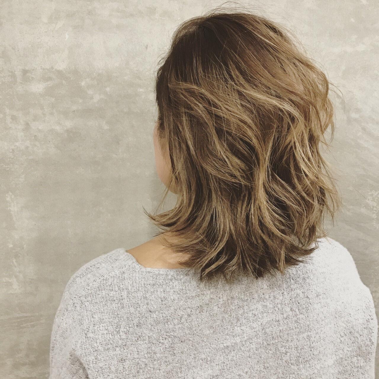 ストリート ブリーチ 外国人風 巻き髪ヘアスタイルや髪型の写真・画像