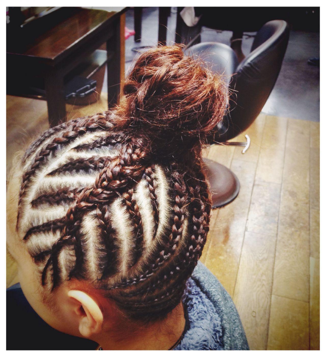 お祭り 編み込み セミロング 夏ヘアスタイルや髪型の写真・画像