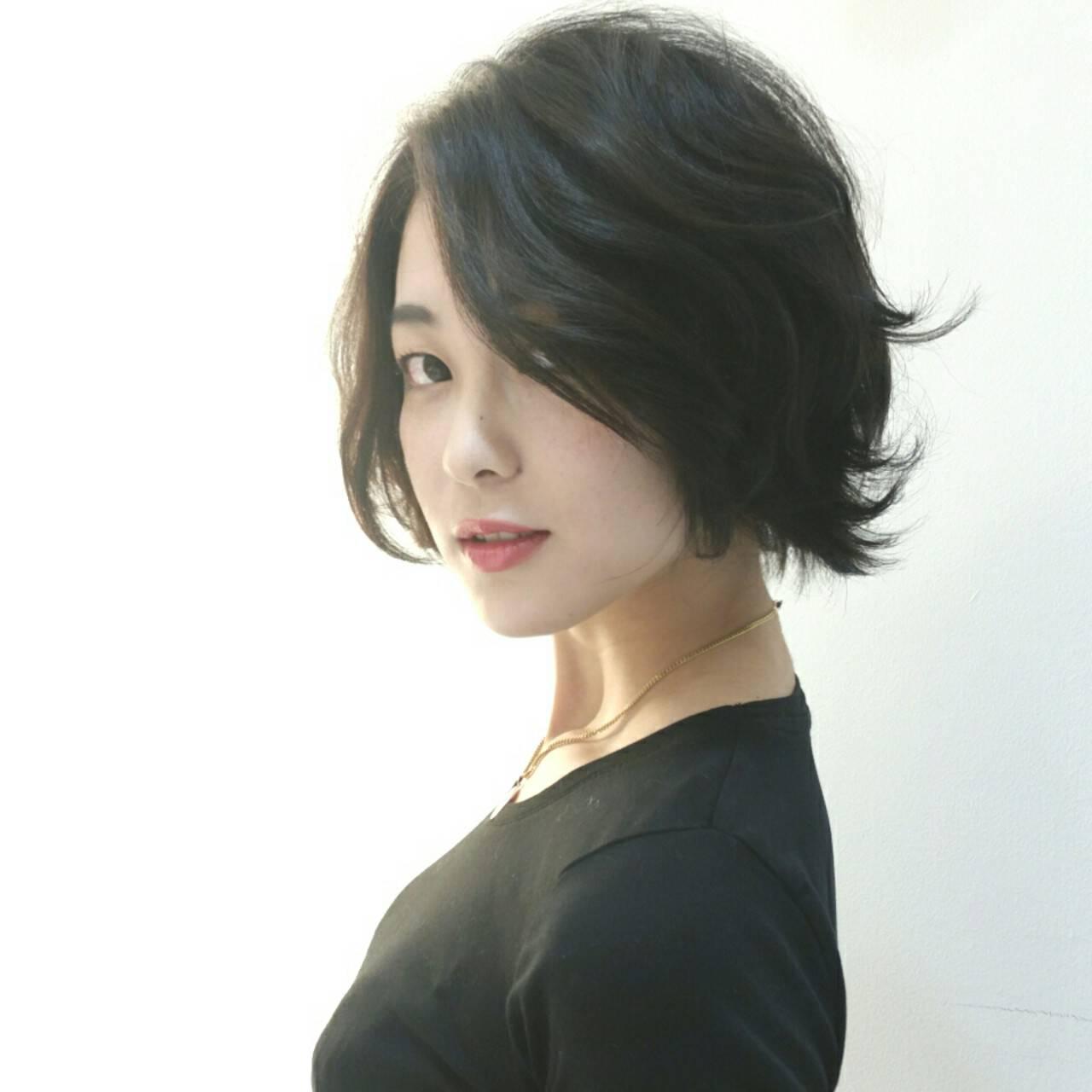 黒髪 外ハネ モード ショートヘアスタイルや髪型の写真・画像