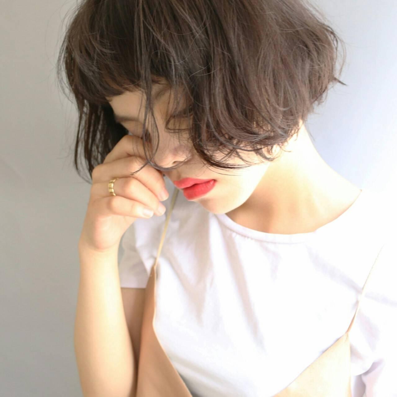 くせ毛風 大人かわいい パーマ 黒髪ヘアスタイルや髪型の写真・画像