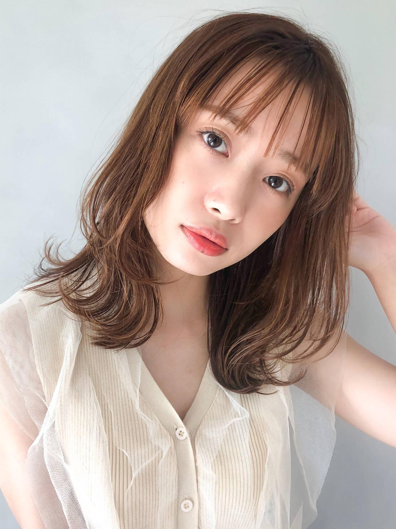 小顔ヘア ホワイトシルバー モテボブ ショートボブヘアスタイルや髪型の写真・画像