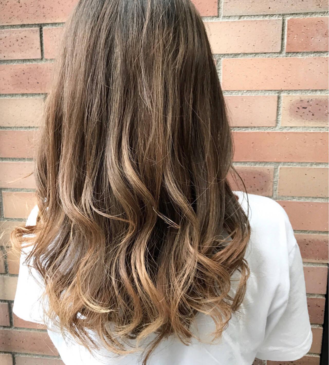 ハイライト 秋 フェミニン セミロングヘアスタイルや髪型の写真・画像