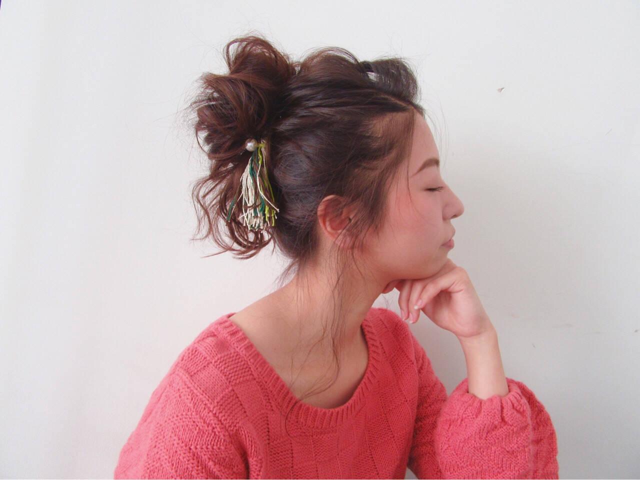 ナチュラル ポニーテール ヘアアレンジ セミロングヘアスタイルや髪型の写真・画像