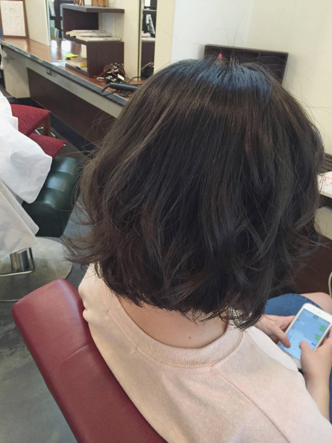 ダークアッシュ アッシュ グレージュ ストリートヘアスタイルや髪型の写真・画像