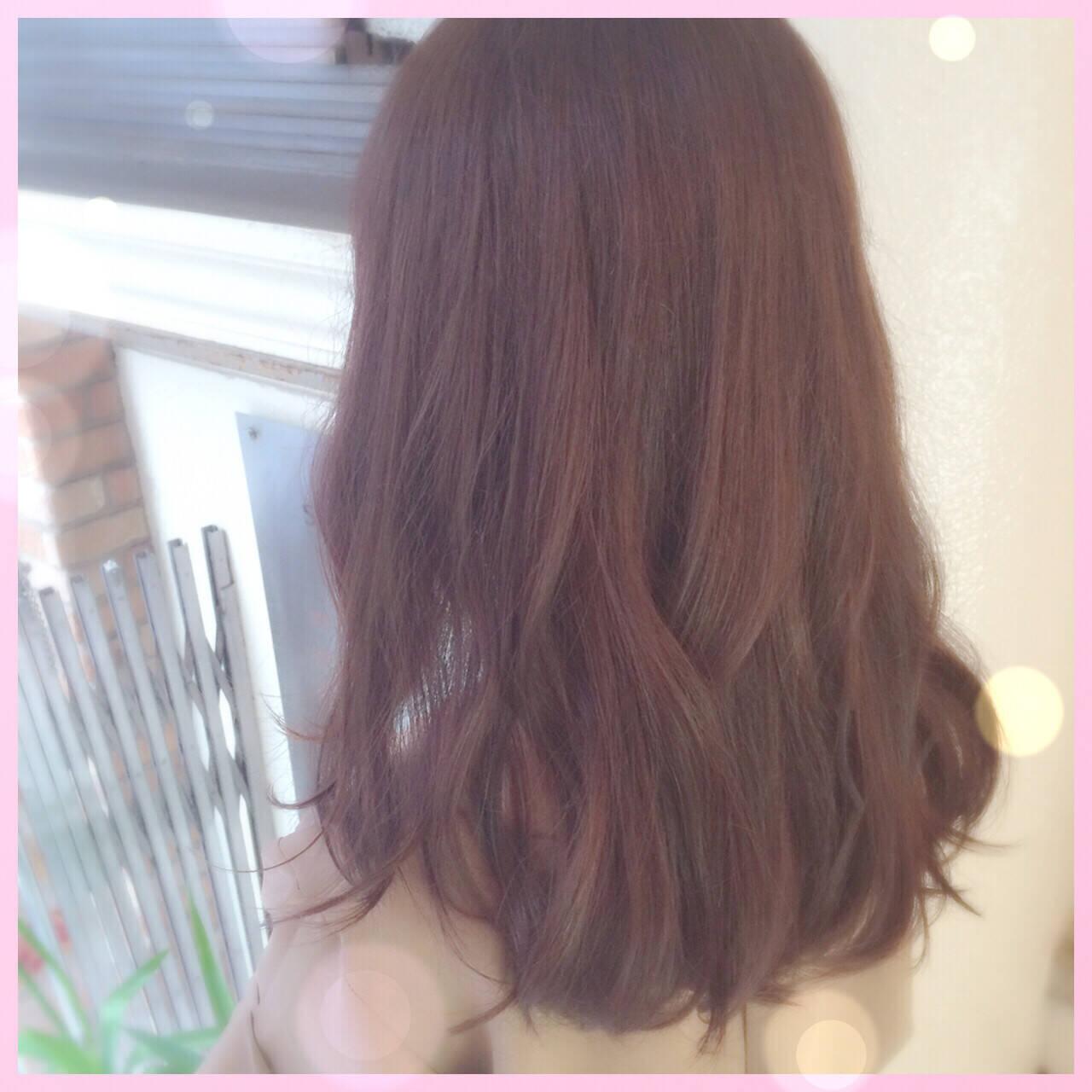 セミロング ベージュ ピンク ナチュラルヘアスタイルや髪型の写真・画像