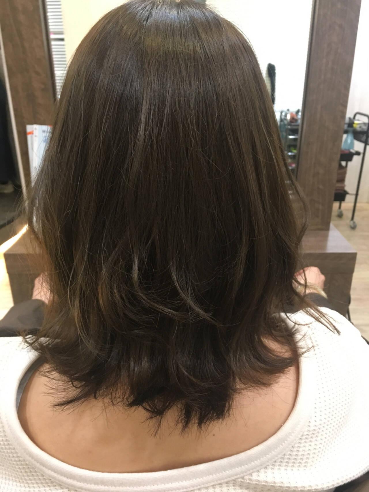 ミディアム レイヤーカット ボブ ヘアアレンジヘアスタイルや髪型の写真・画像