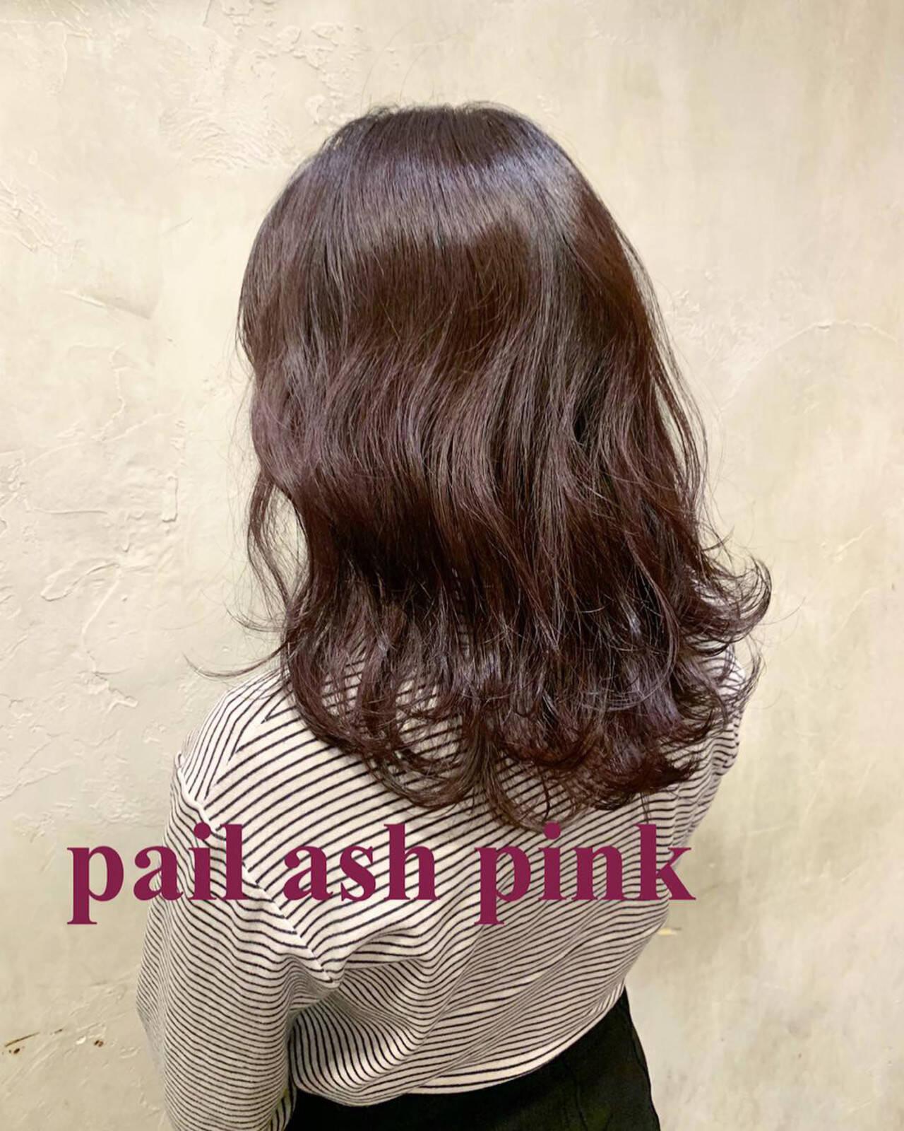 セミロング ラベンダー ラベンダーピンク レッドヘアスタイルや髪型の写真・画像