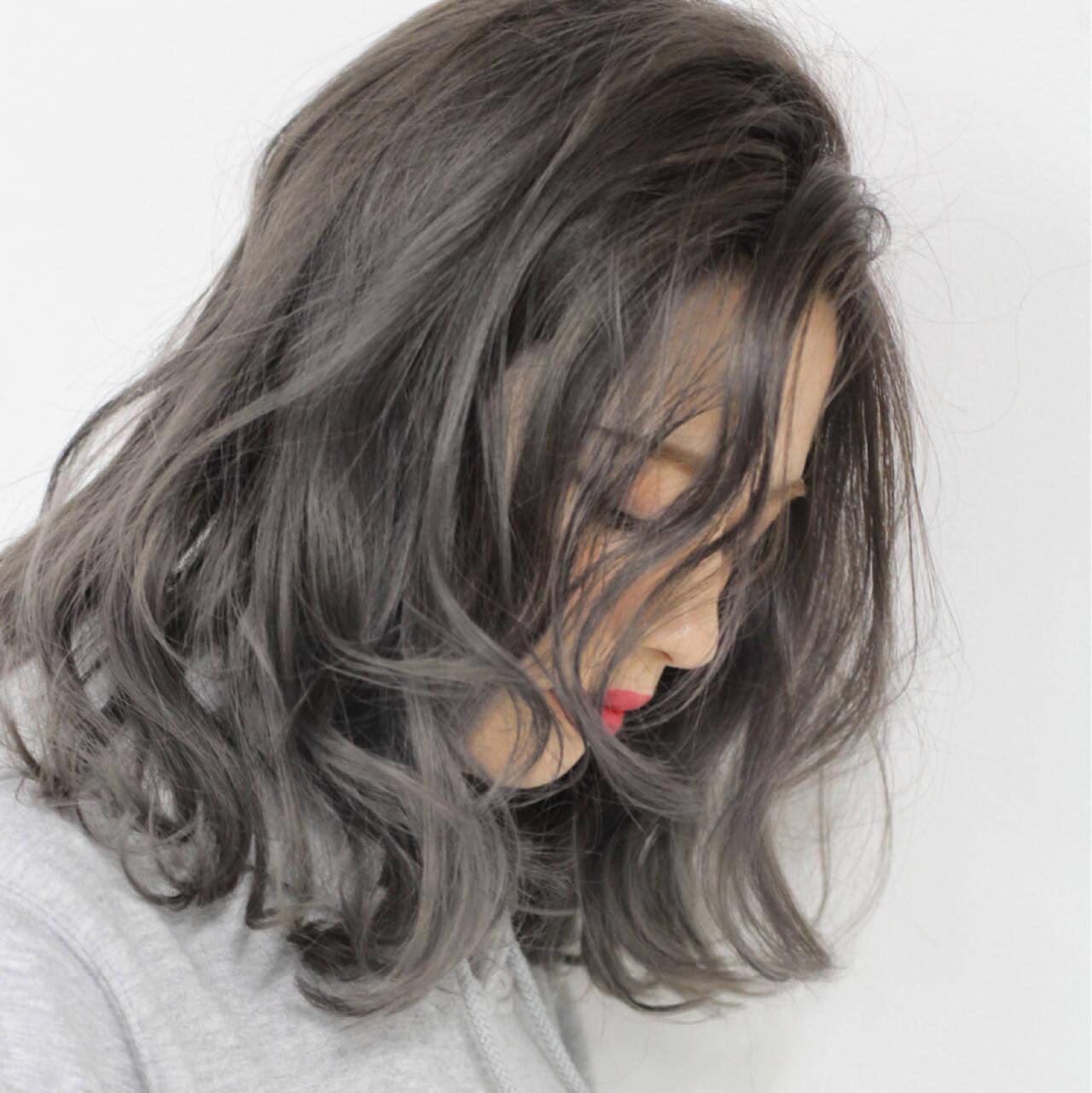グラデーションカラー ストリート グレージュ ハイライトヘアスタイルや髪型の写真・画像
