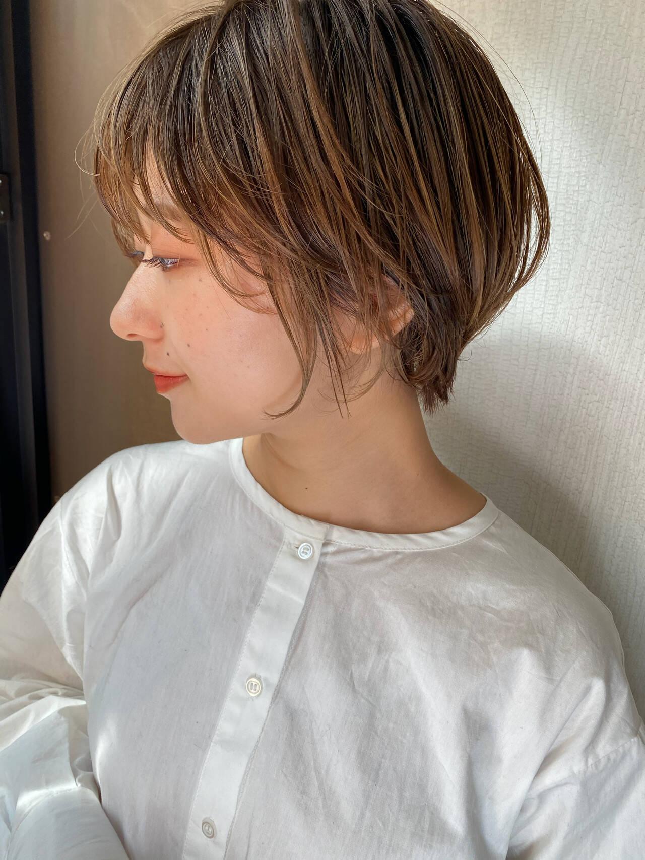 ショートボブ ショート ショートヘア ハイトーンカラーヘアスタイルや髪型の写真・画像
