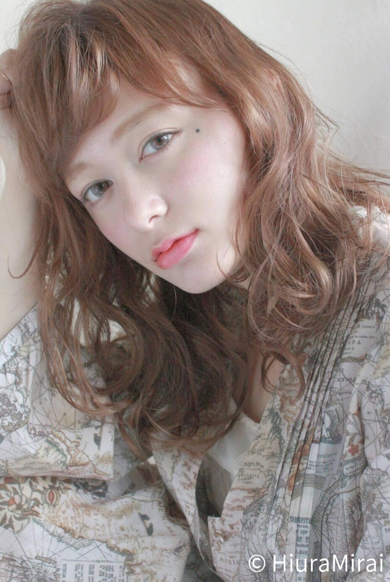 ウェーブ パーマ ゆるふわ ミディアムヘアスタイルや髪型の写真・画像