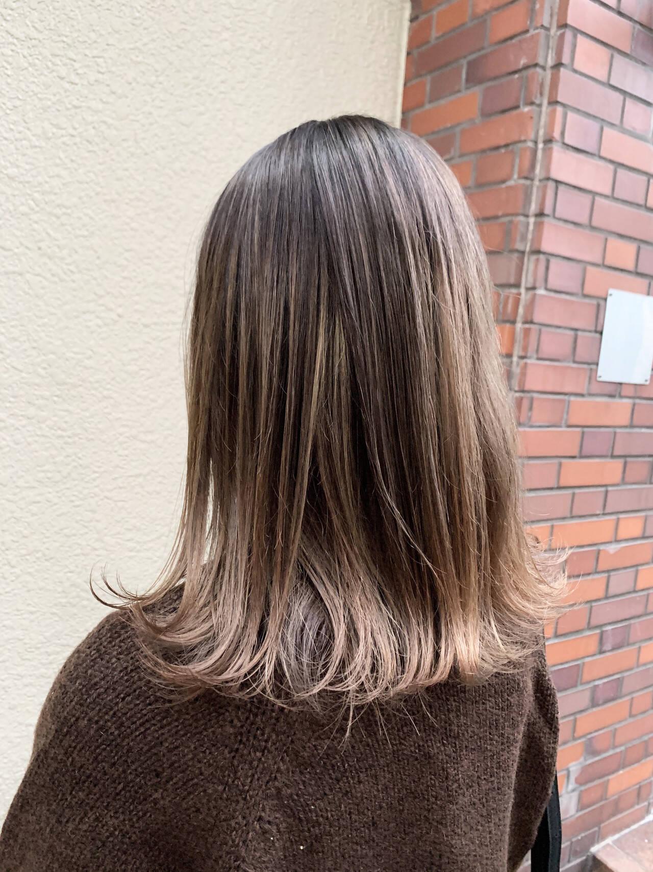 切りっぱなしボブ グラデーション エアータッチ ストリートヘアスタイルや髪型の写真・画像