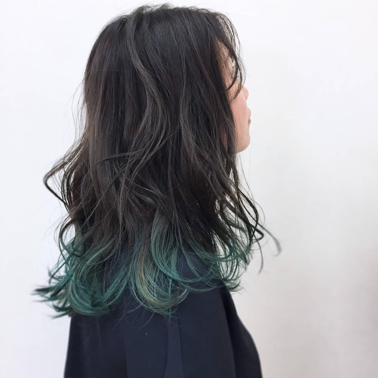 セミロング グラデーションカラー グリーン 大人かわいいヘアスタイルや髪型の写真・画像