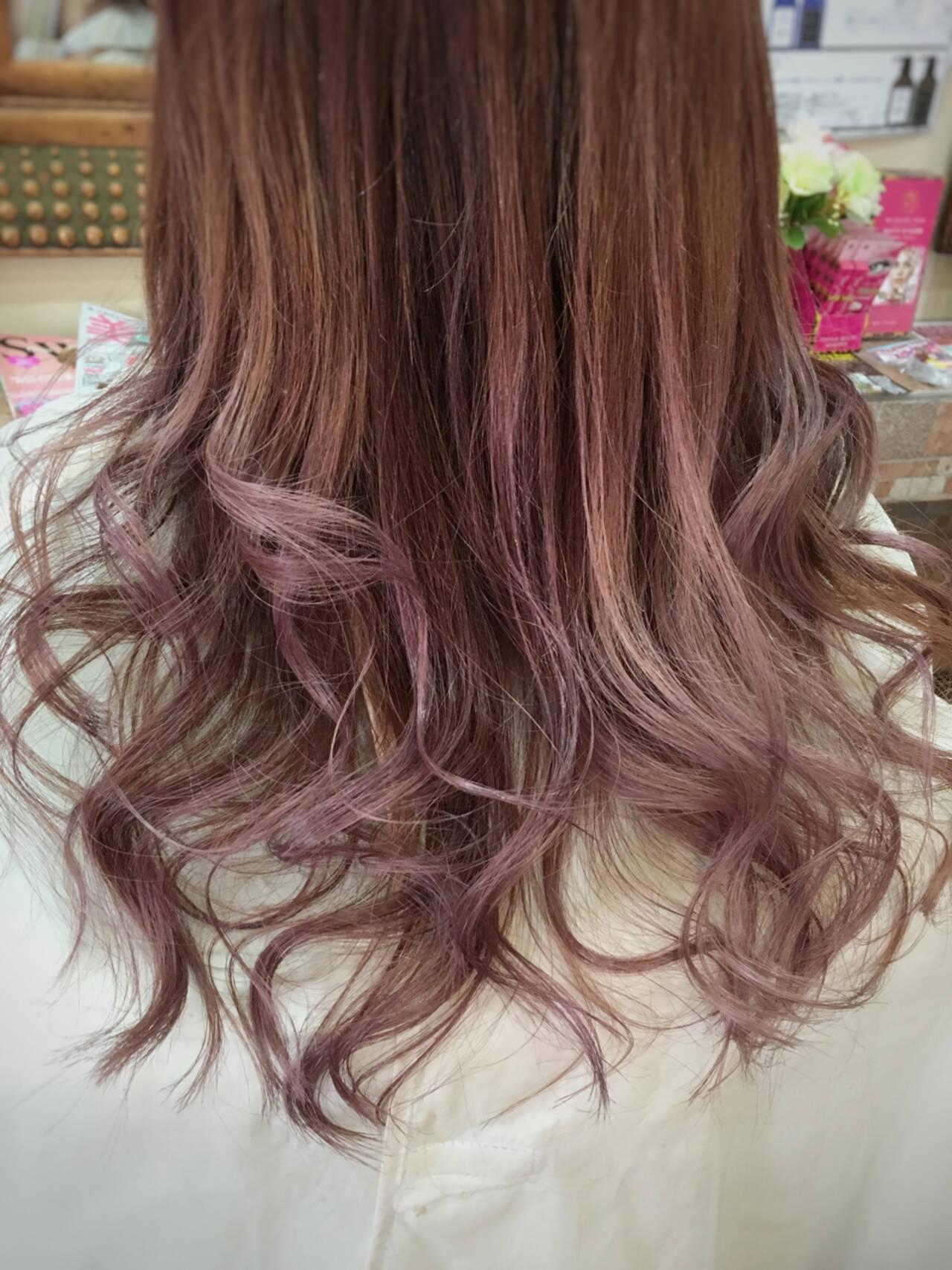 ピンク 外国人風 グラデーションカラー モードヘアスタイルや髪型の写真・画像