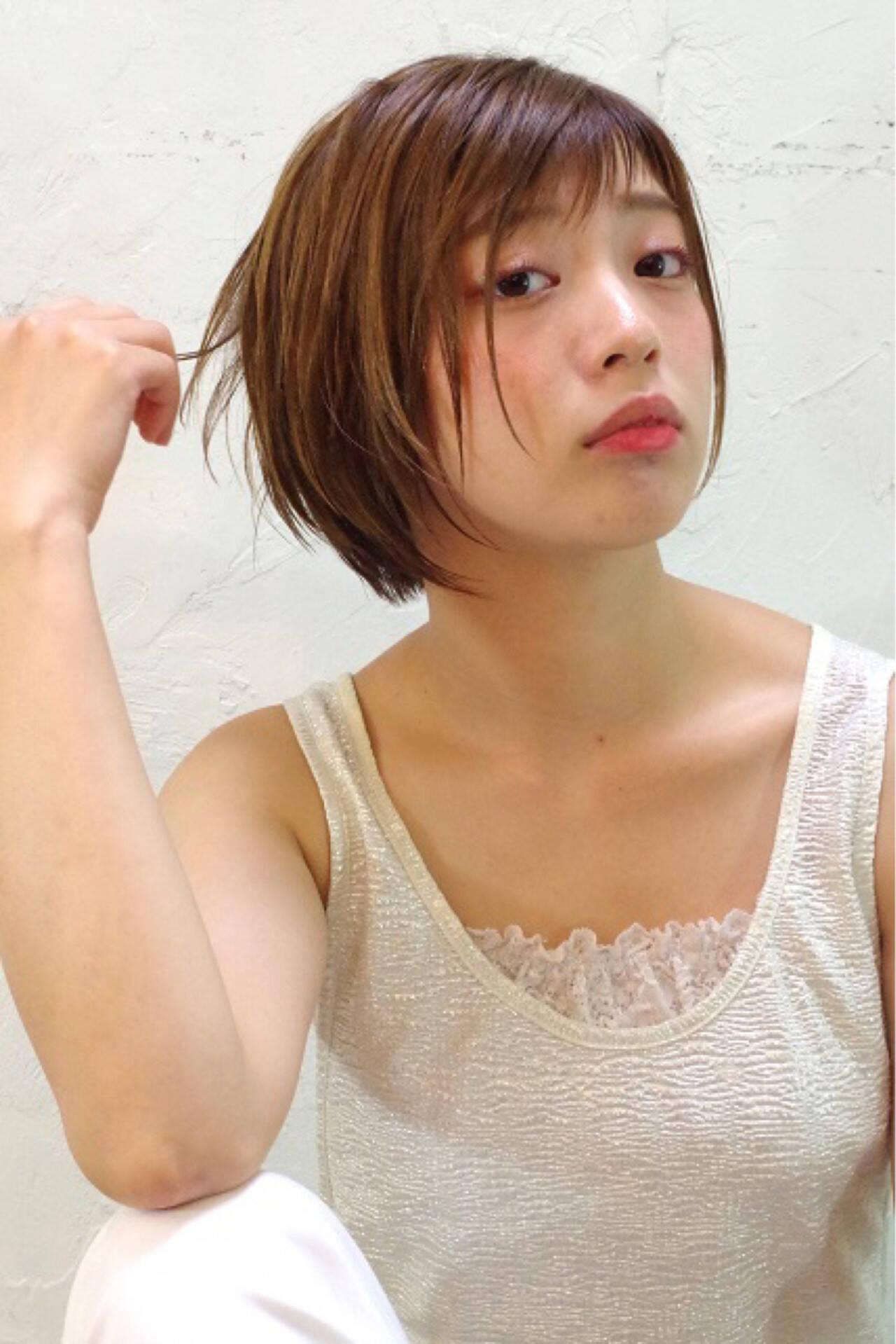 ピュア アッシュ ショート ハイライトヘアスタイルや髪型の写真・画像