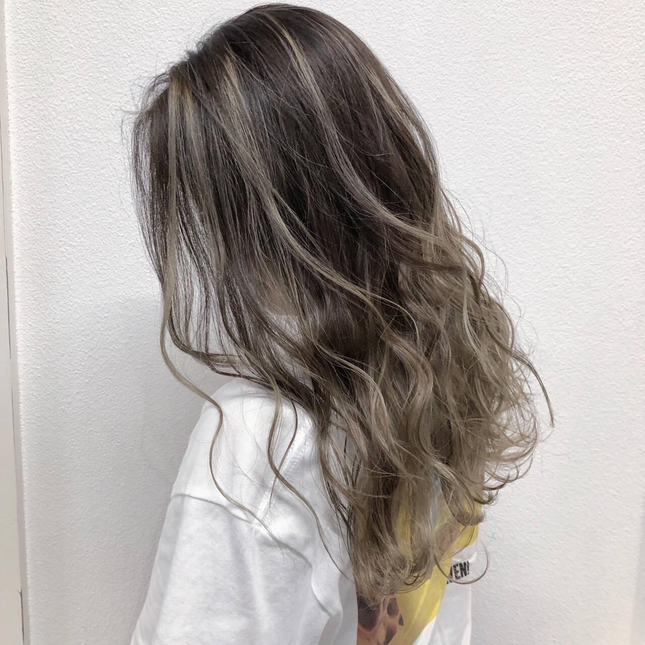 セミロング ハイライト 透明感 外国人風フェミニンヘアスタイルや髪型の写真・画像