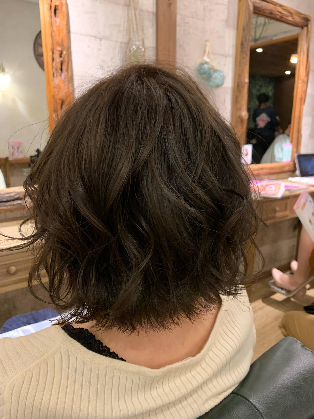 ブリーチ無し アディクシーカラー グレージュ ナチュラルヘアスタイルや髪型の写真・画像