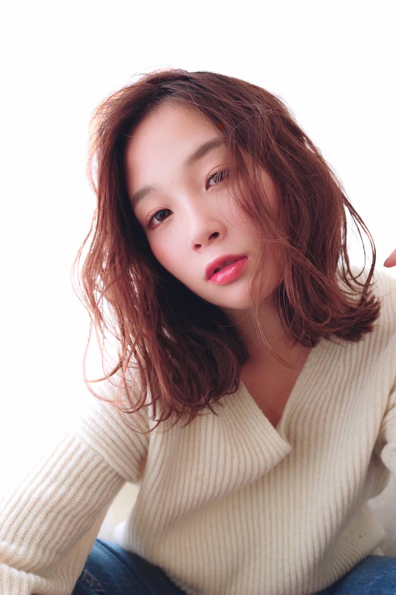 モテ髪 トレンド アディクシーカラー レイヤーカットヘアスタイルや髪型の写真・画像