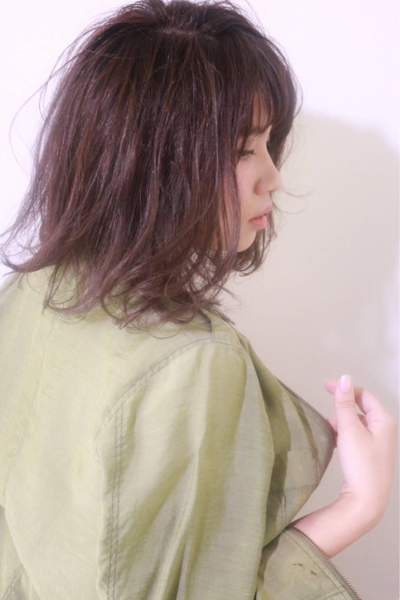 ハイライト グラデーションカラー ナチュラル ミディアムヘアスタイルや髪型の写真・画像
