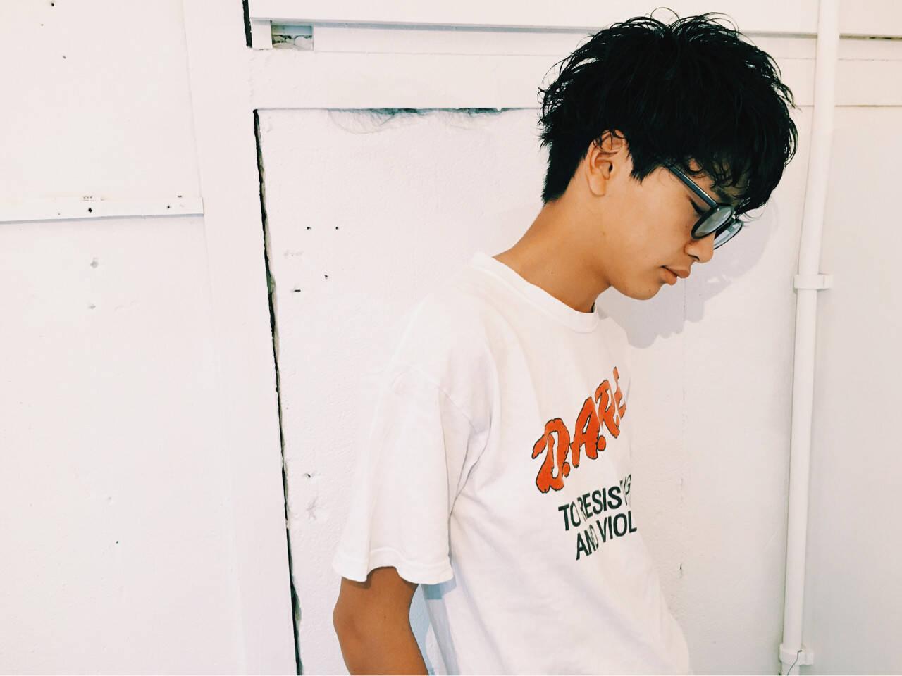 黒髪 ワイドバング メンズ ボーイッシュヘアスタイルや髪型の写真・画像