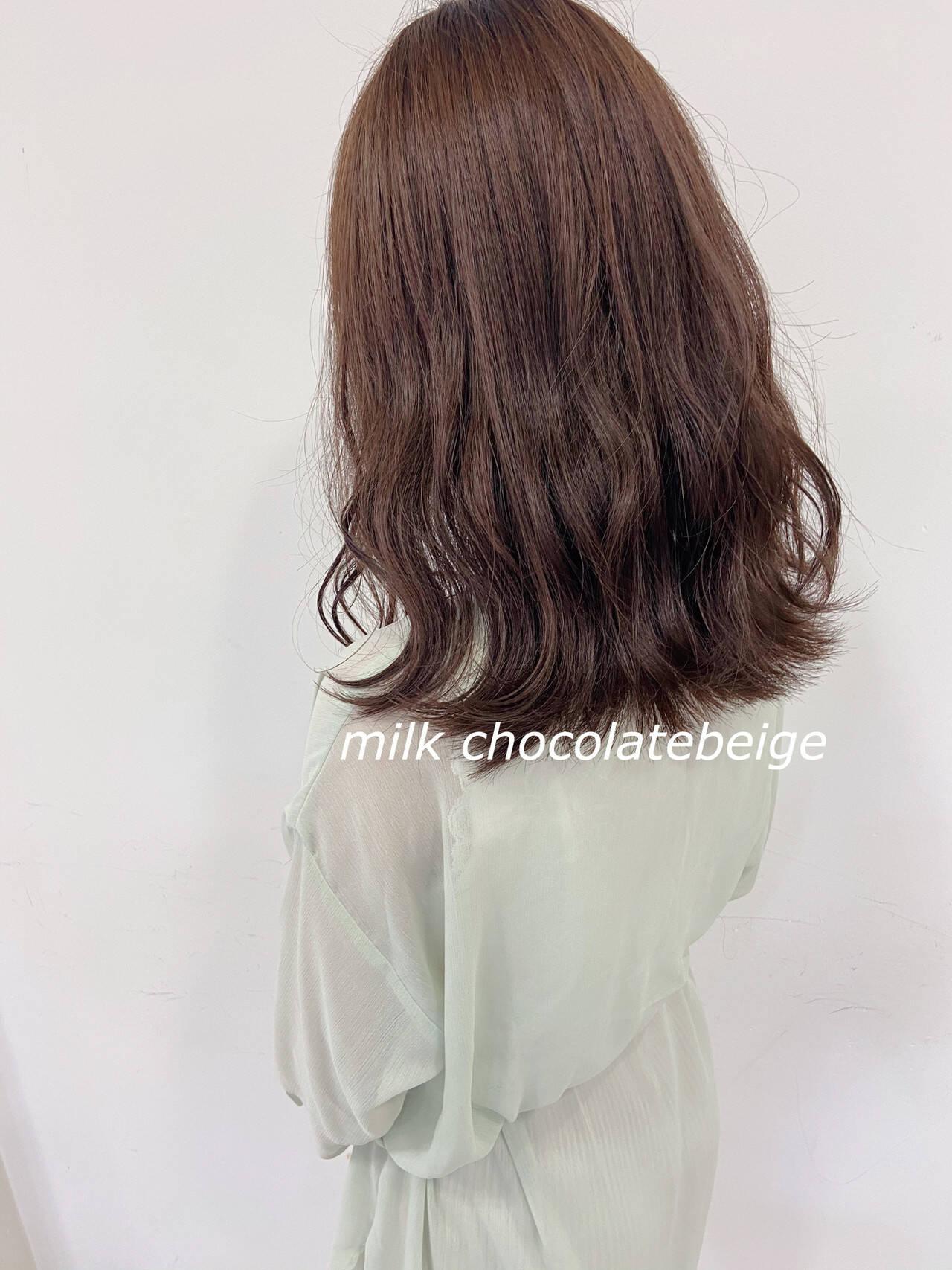 波ウェーブ ナチュラル チョコレート ミディアムヘアスタイルや髪型の写真・画像