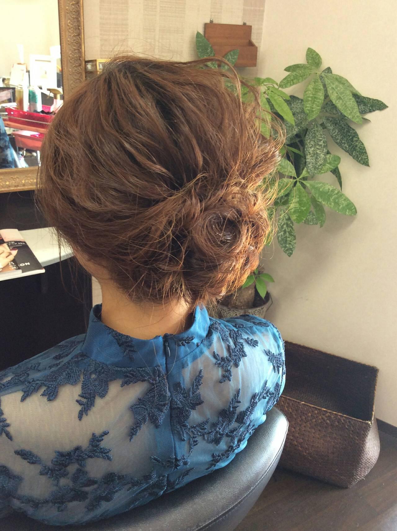 ナチュラル セミロング 結婚式 ポンパドールヘアスタイルや髪型の写真・画像