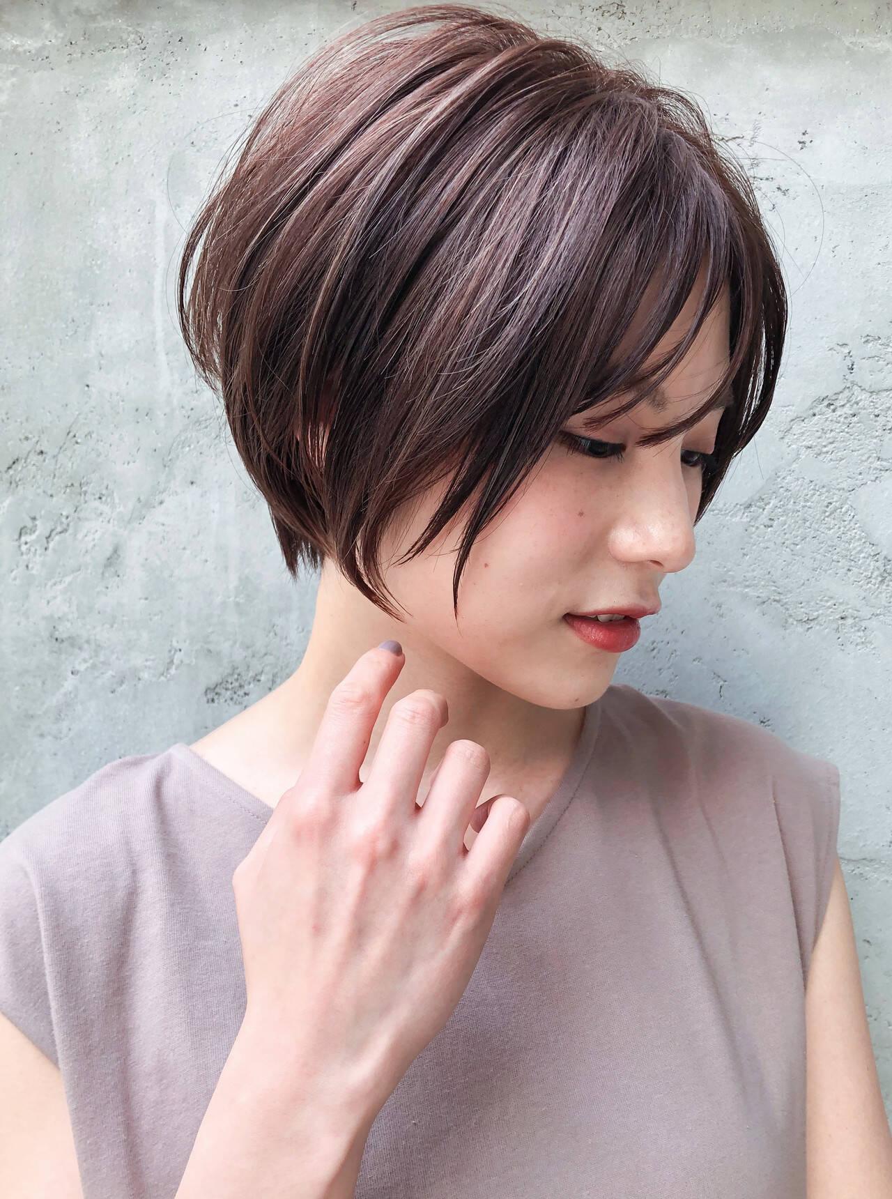 ショートヘア 前下がりショート デジタルパーマ モードヘアスタイルや髪型の写真・画像