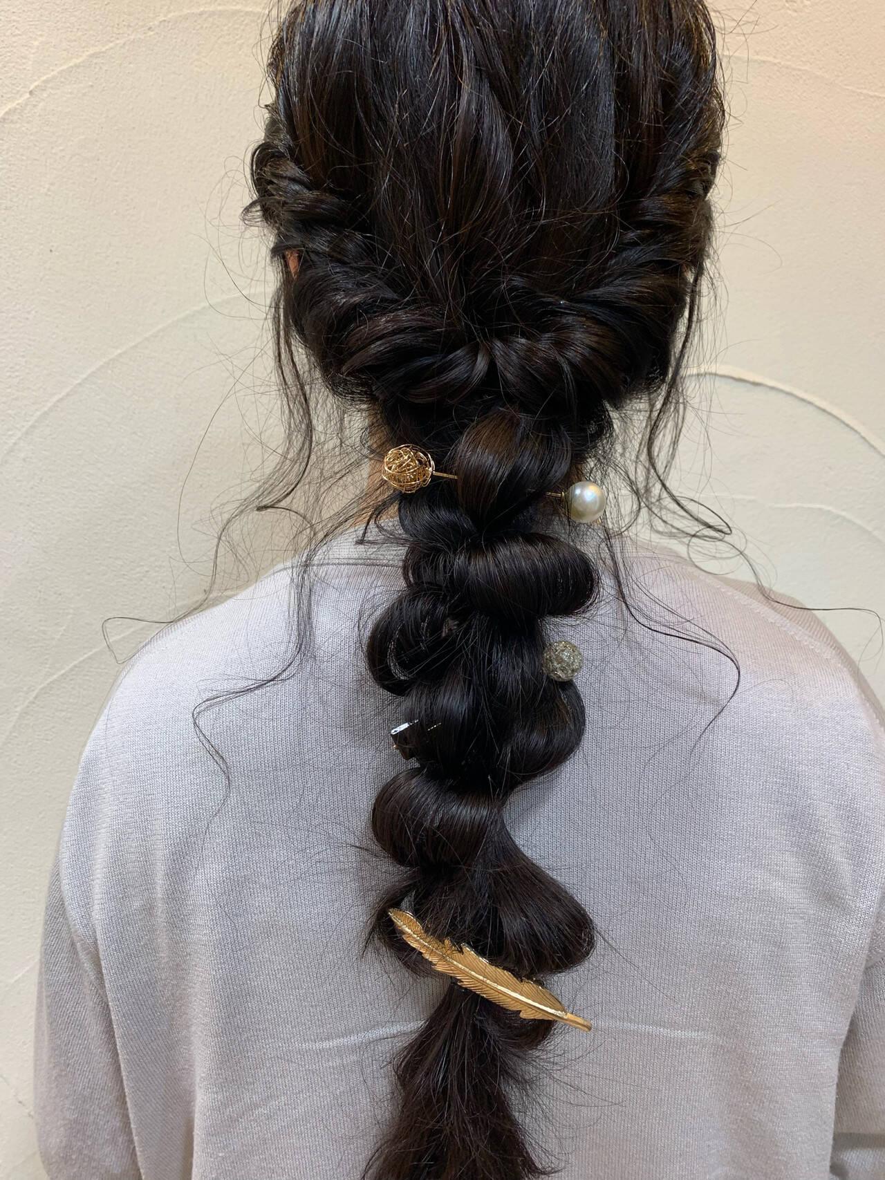 ロング お呼ばれヘア ヘアアレンジ ナチュラルヘアスタイルや髪型の写真・画像