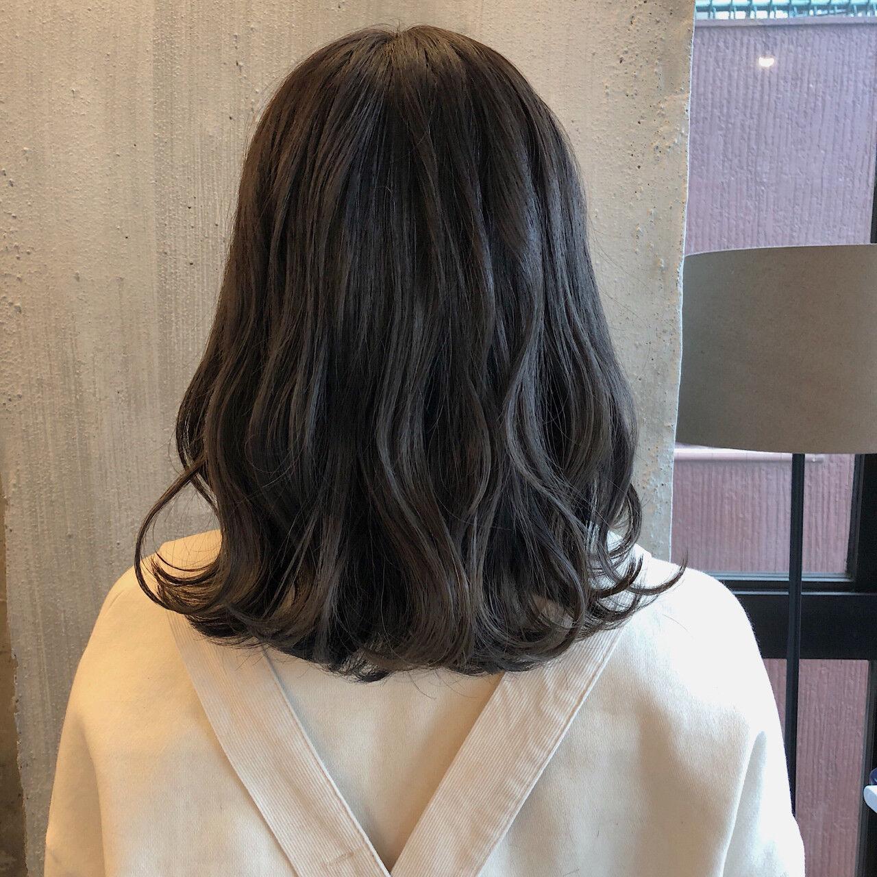 ミディアム 暗髪 ロブ ナチュラルヘアスタイルや髪型の写真・画像