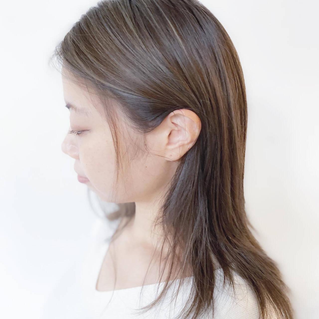 アッシュグレージュ 3Dハイライト ハイライト ナチュラルヘアスタイルや髪型の写真・画像