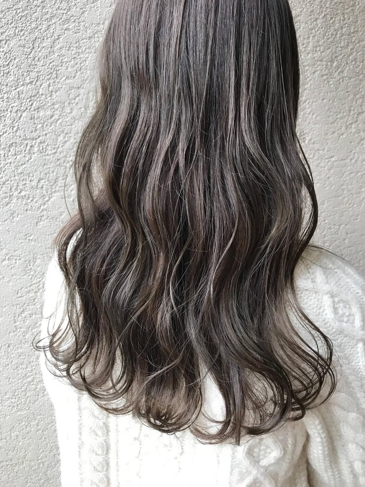 オリーブベージュ 大人ロング ナチュラル ロングヘアスタイルや髪型の写真・画像