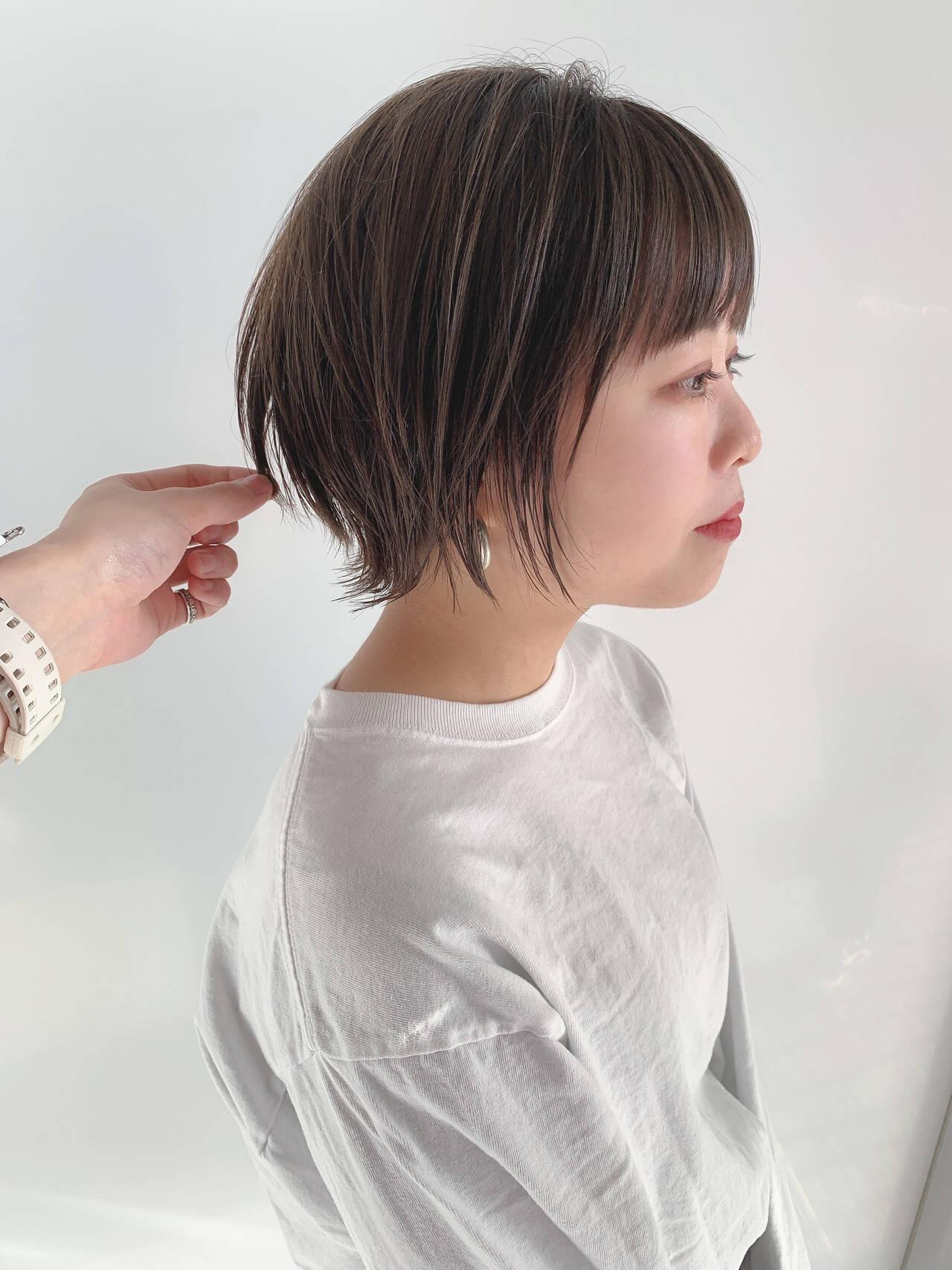 ショートボブ ウルフカット ナチュラル 黒髪ショートヘアスタイルや髪型の写真・画像