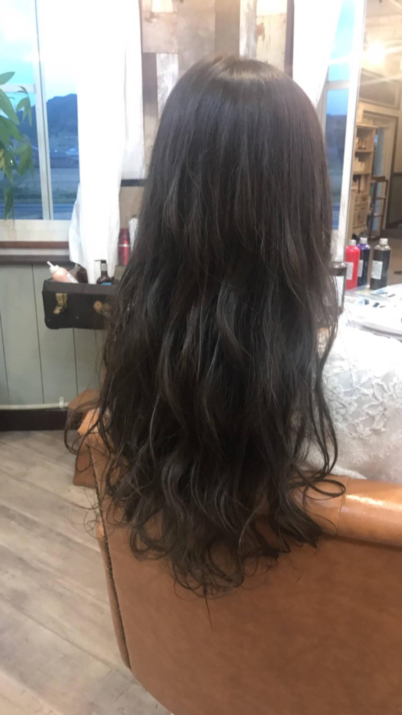 ナチュラル アッシュグレー 透明感 アッシュグレージュヘアスタイルや髪型の写真・画像