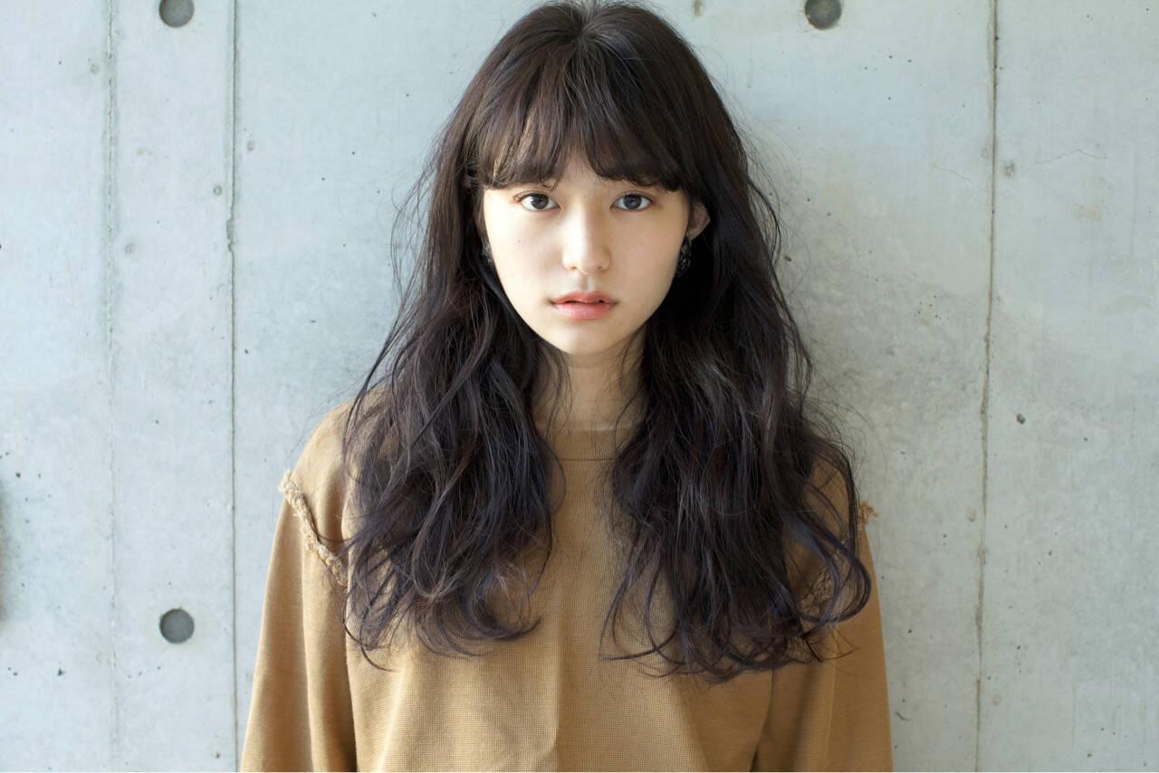 グレージュ 秋 ゆるふわ 外国人風カラーヘアスタイルや髪型の写真・画像