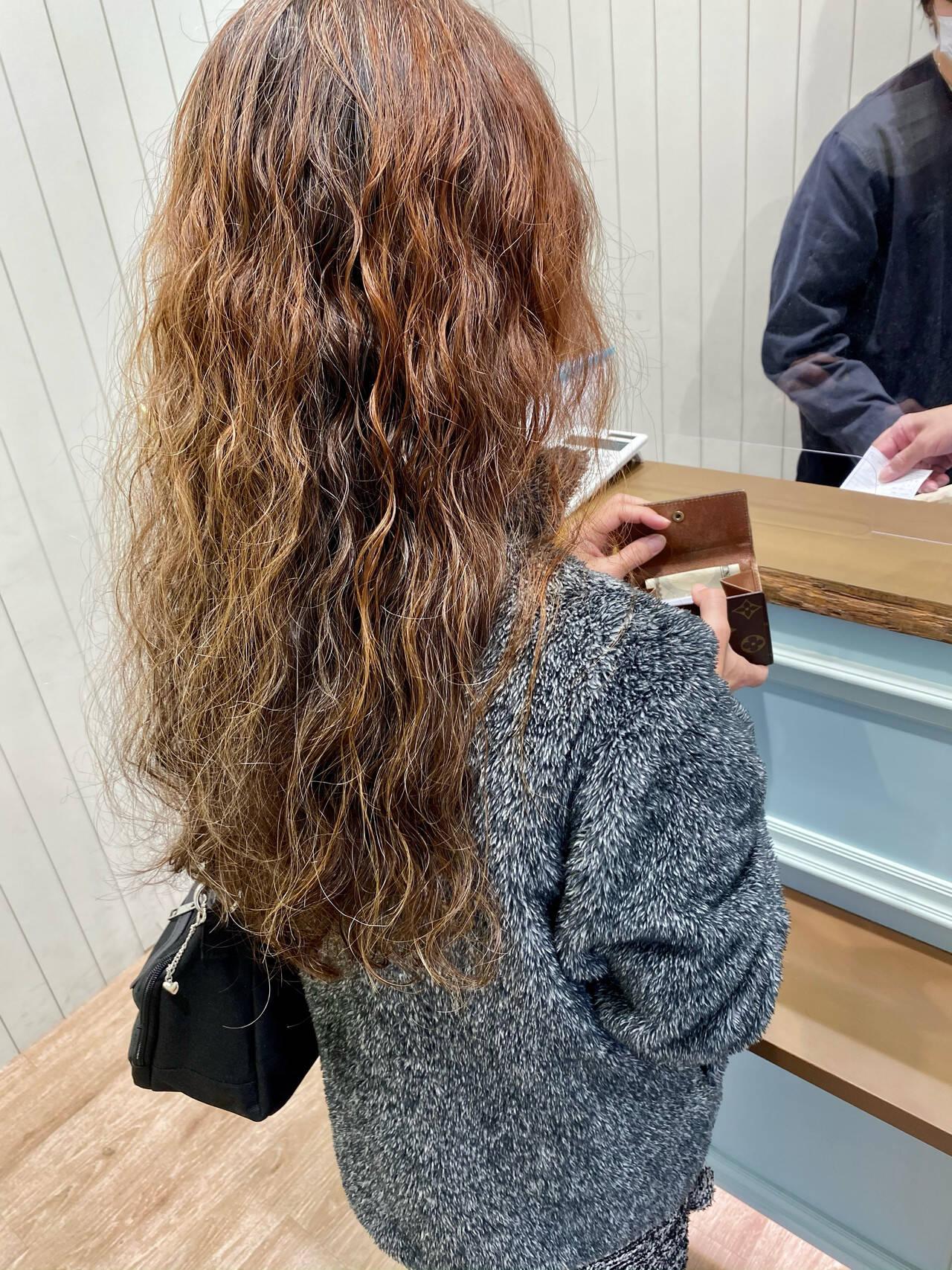 ウェーブ デジタルパーマ モード スパイラルパーマヘアスタイルや髪型の写真・画像
