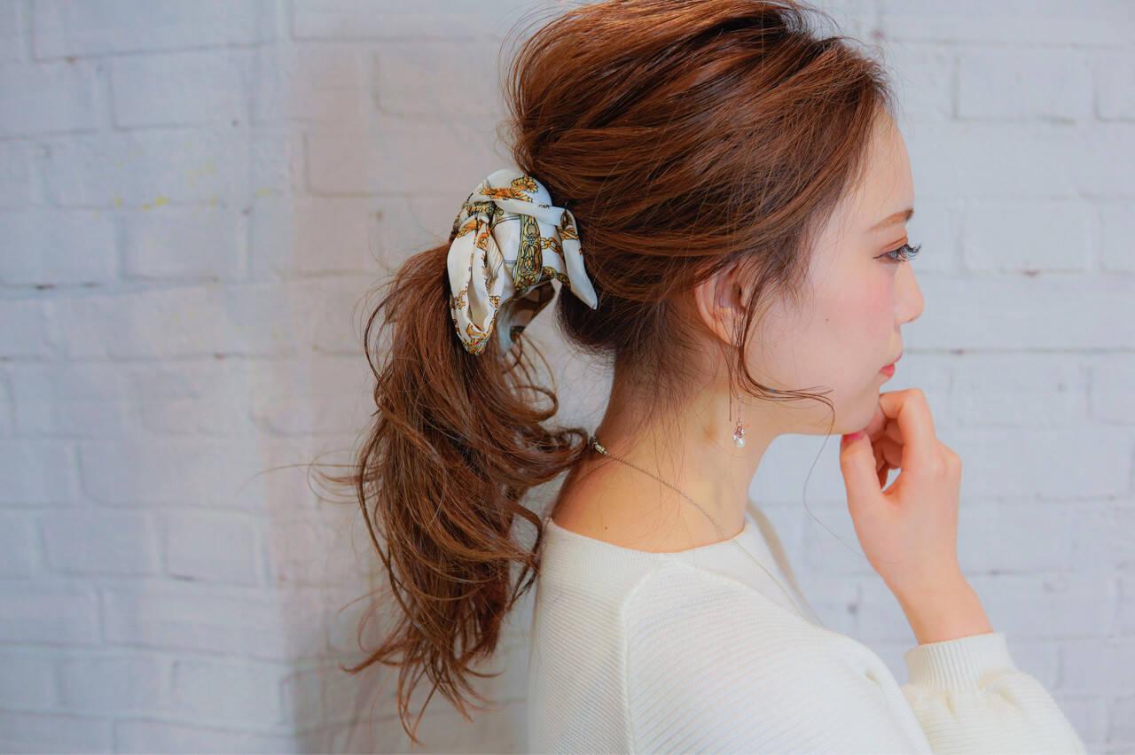 ヘアアクセ 大人女子 セミロング 簡単ヘアアレンジヘアスタイルや髪型の写真・画像