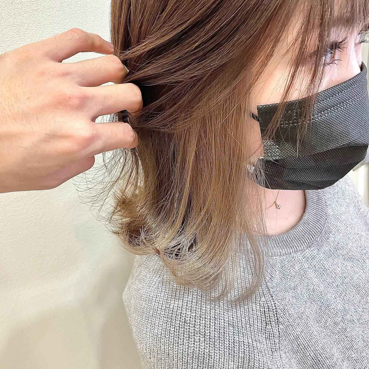 ミディアム ショートヘア インナーカラー ブリーチカラーヘアスタイルや髪型の写真・画像