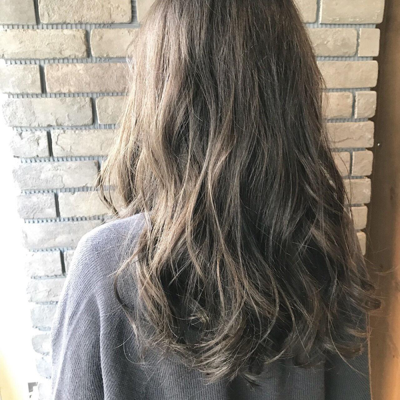 セミロング 大人かわいい 透明感 アンニュイヘアスタイルや髪型の写真・画像