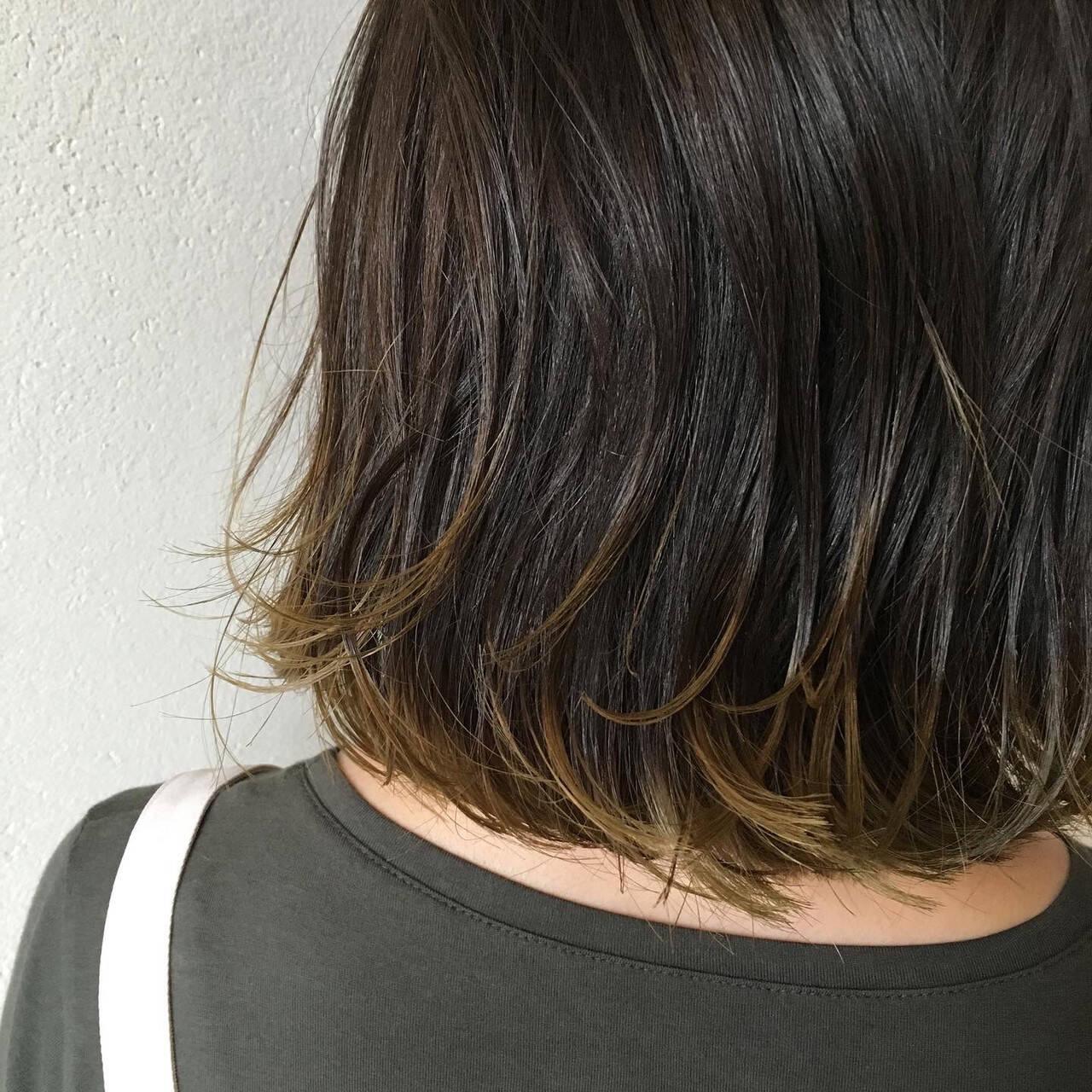 裾カラー インナーカラー 大人ハイライト エレガントヘアスタイルや髪型の写真・画像