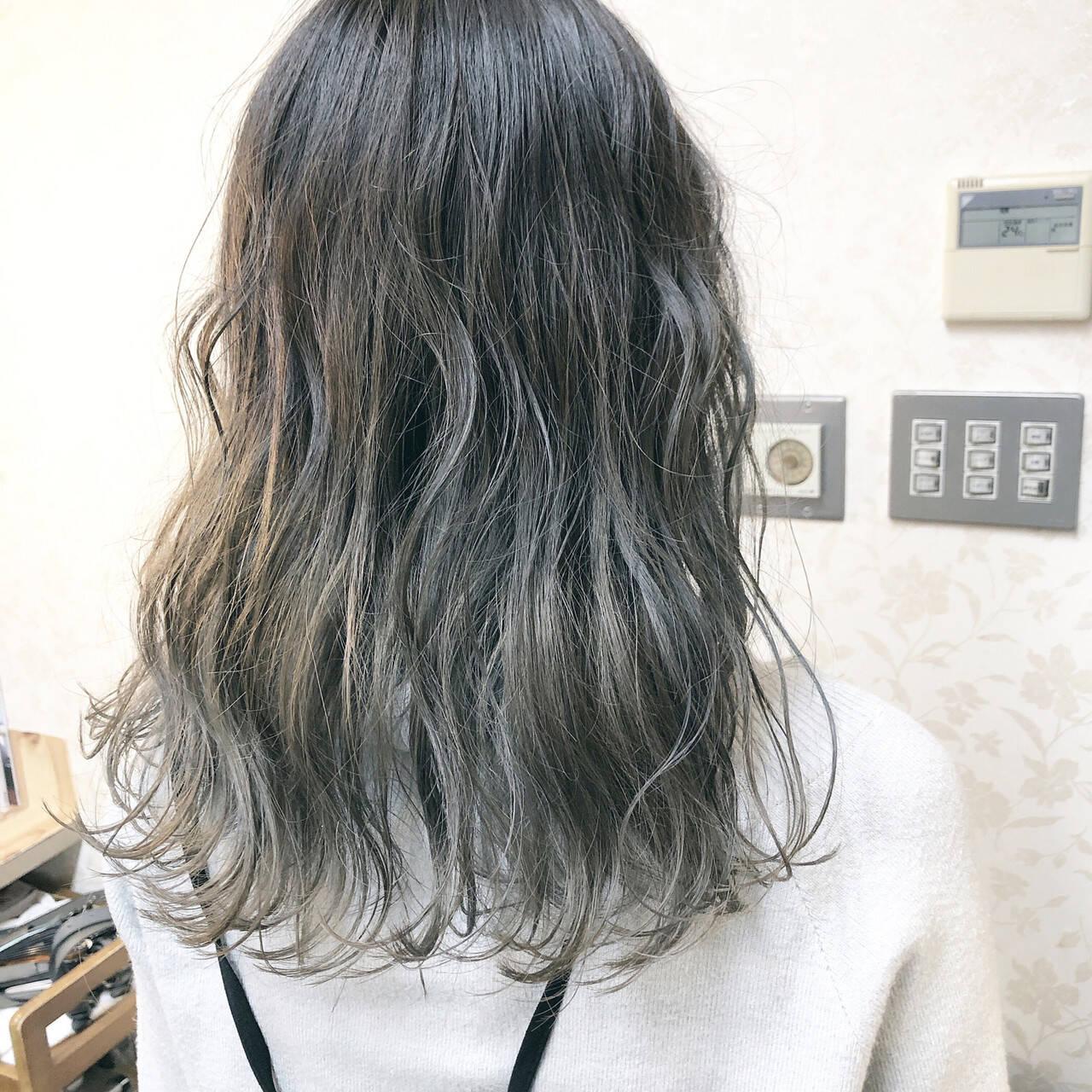 アッシュグラデーション アディクシーカラー ナチュラル グラデーションヘアスタイルや髪型の写真・画像