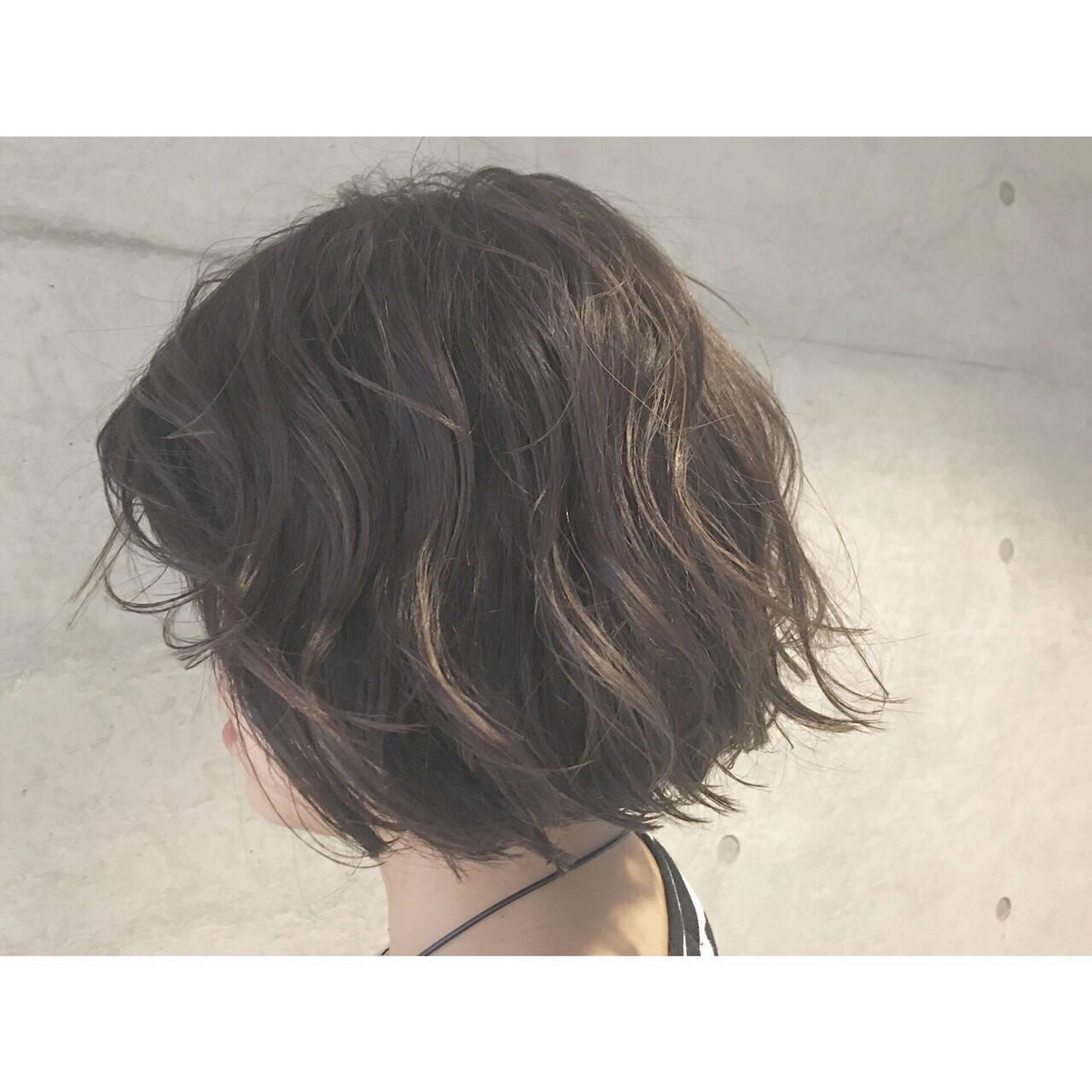 外国人風 アッシュ ハイライト ボブヘアスタイルや髪型の写真・画像