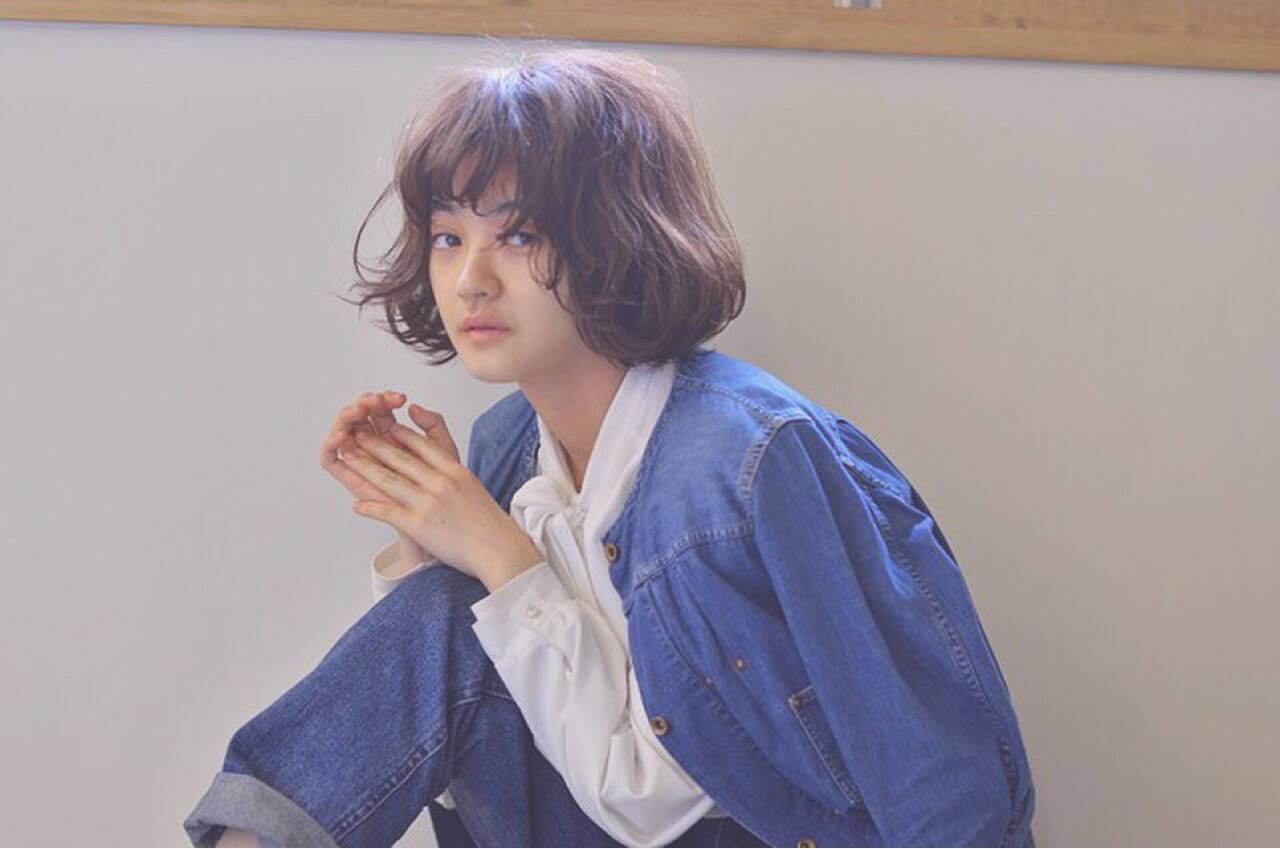 ミルクティー 前髪あり フリンジバング ニュアンスヘアスタイルや髪型の写真・画像