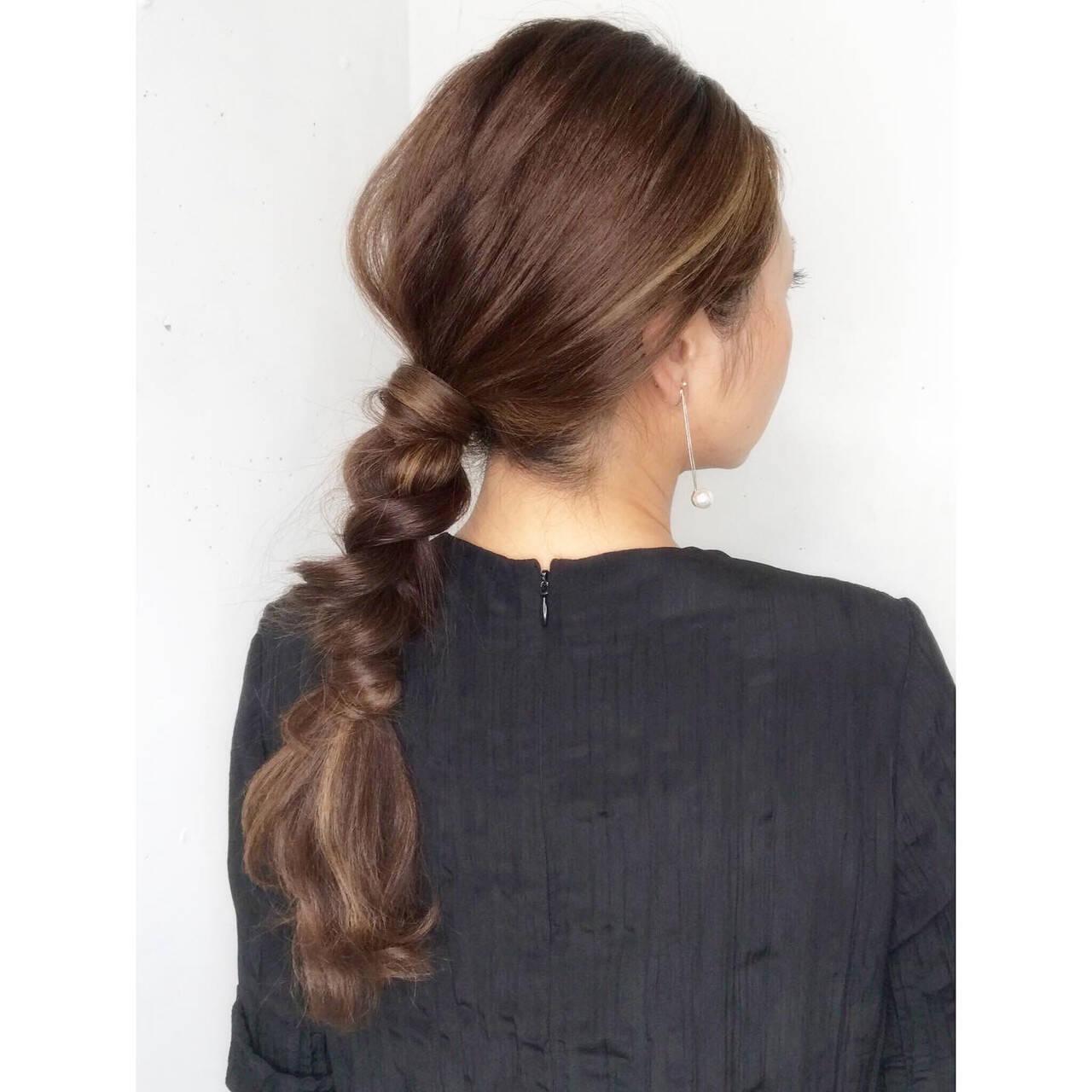 くるりんぱ ナチュラル ヘアアレンジ 三つ編みヘアスタイルや髪型の写真・画像