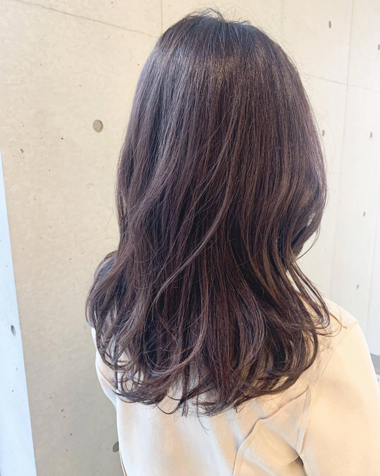 ラベンダーアッシュ ブリーチなし 大人可愛い 大人カジュアルヘアスタイルや髪型の写真・画像