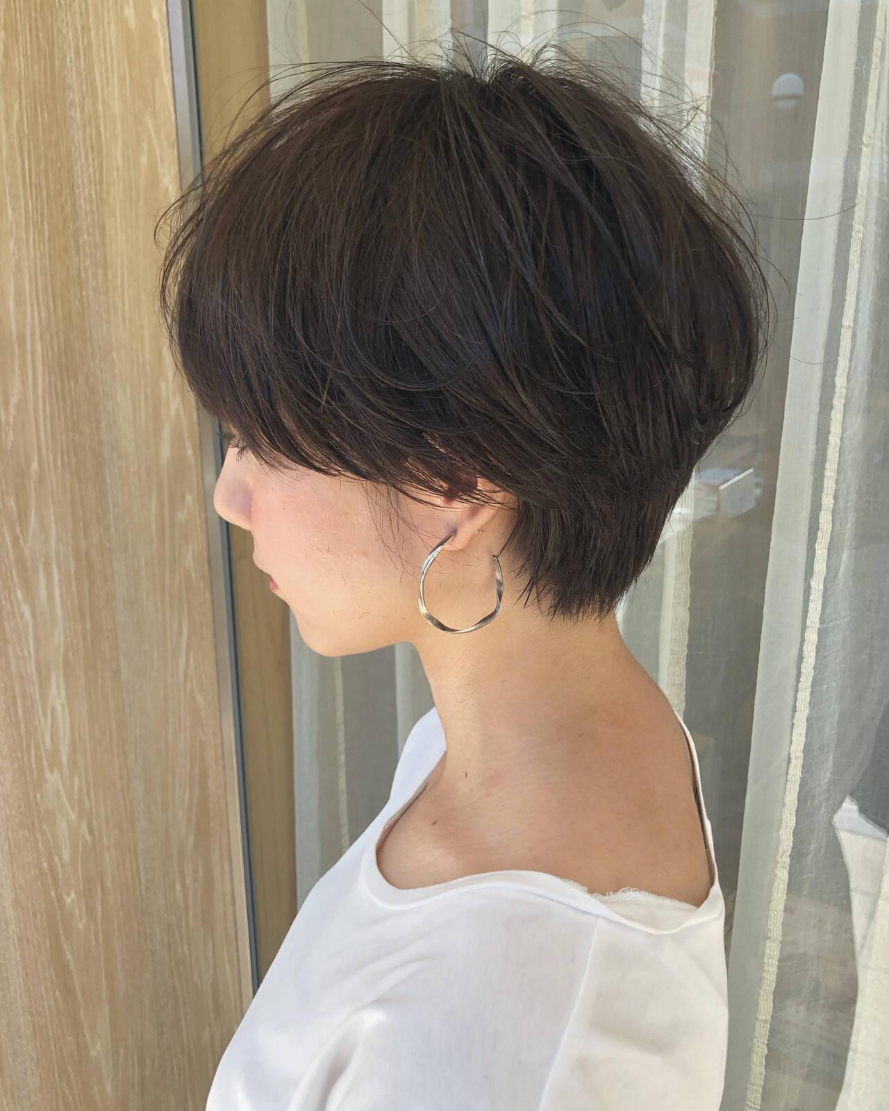 ショートヘア ショートボブ ハンサムショート ナチュラルヘアスタイルや髪型の写真・画像