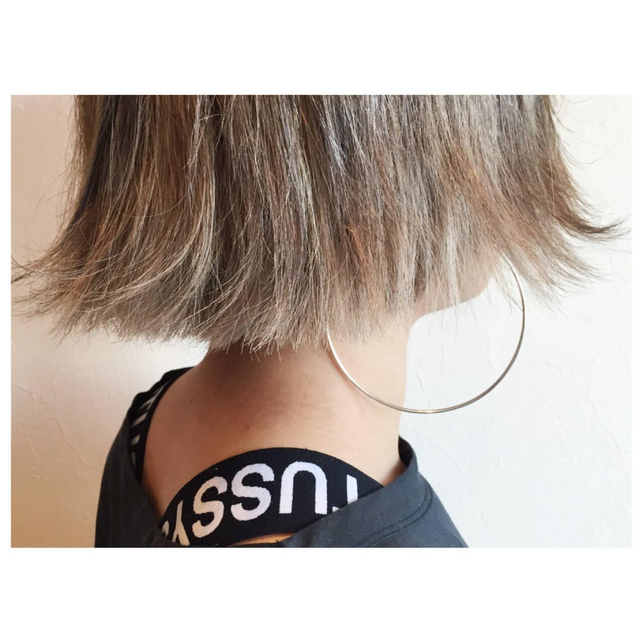 アッシュ グラデーションカラー ハイライト 外ハネヘアスタイルや髪型の写真・画像