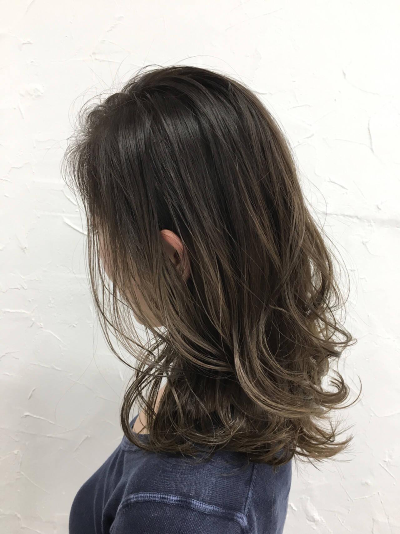 ミディアム 外国人風 暗髪 アッシュヘアスタイルや髪型の写真・画像