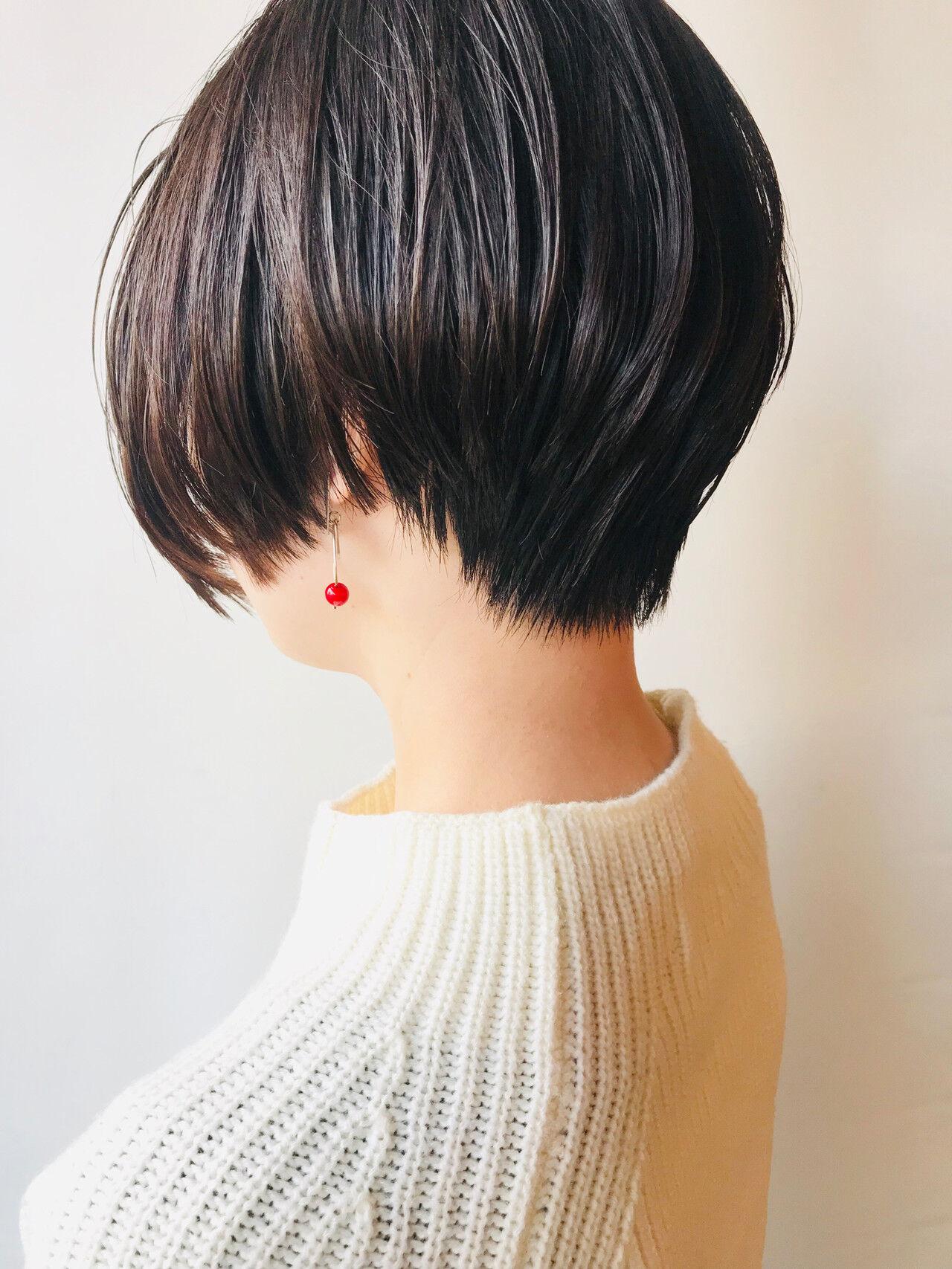 前下がりショート ナチュラル ハンサム ショートヘアスタイルや髪型の写真・画像
