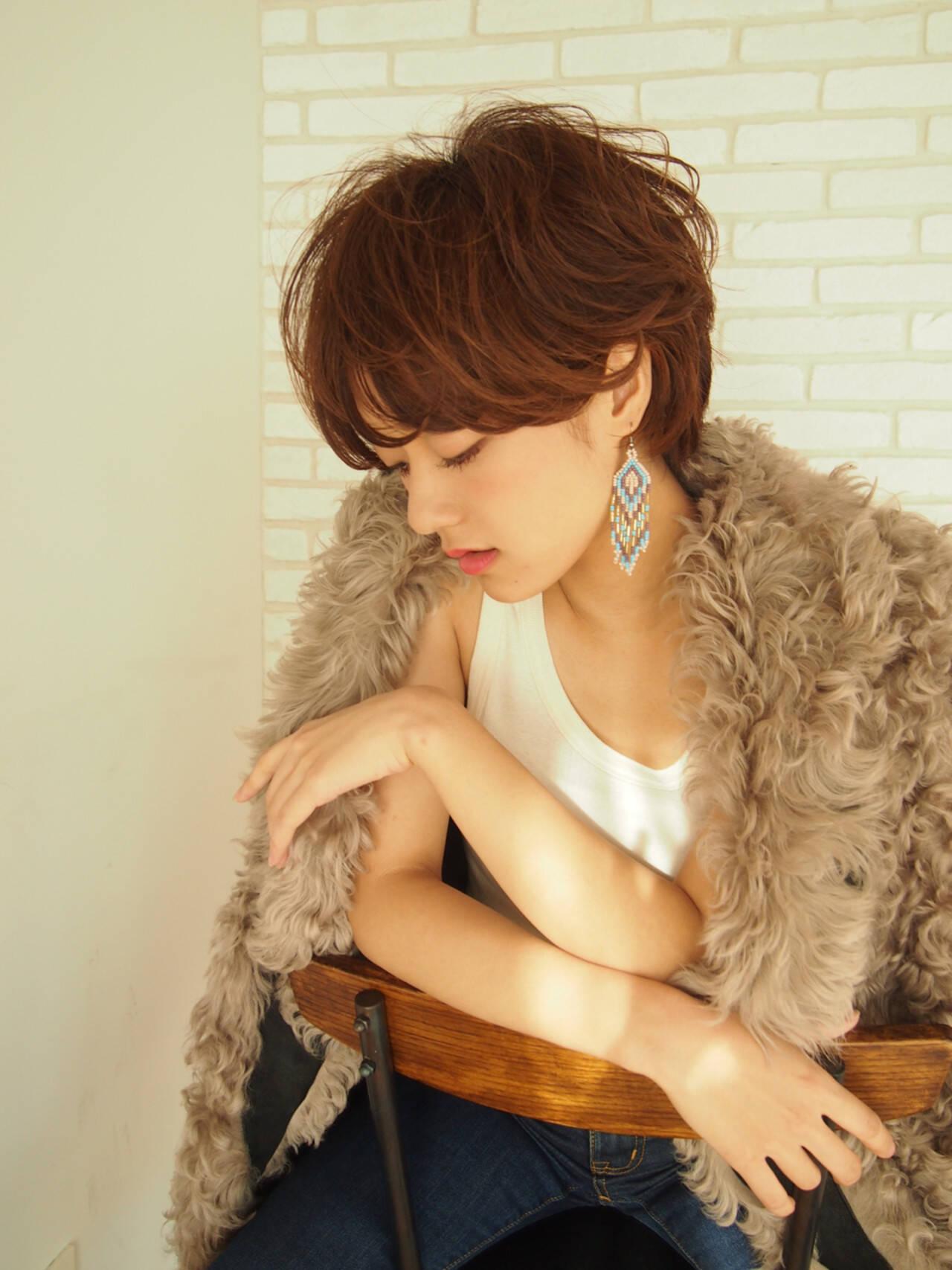 フェミニン ハイライト ショート マッシュヘアスタイルや髪型の写真・画像