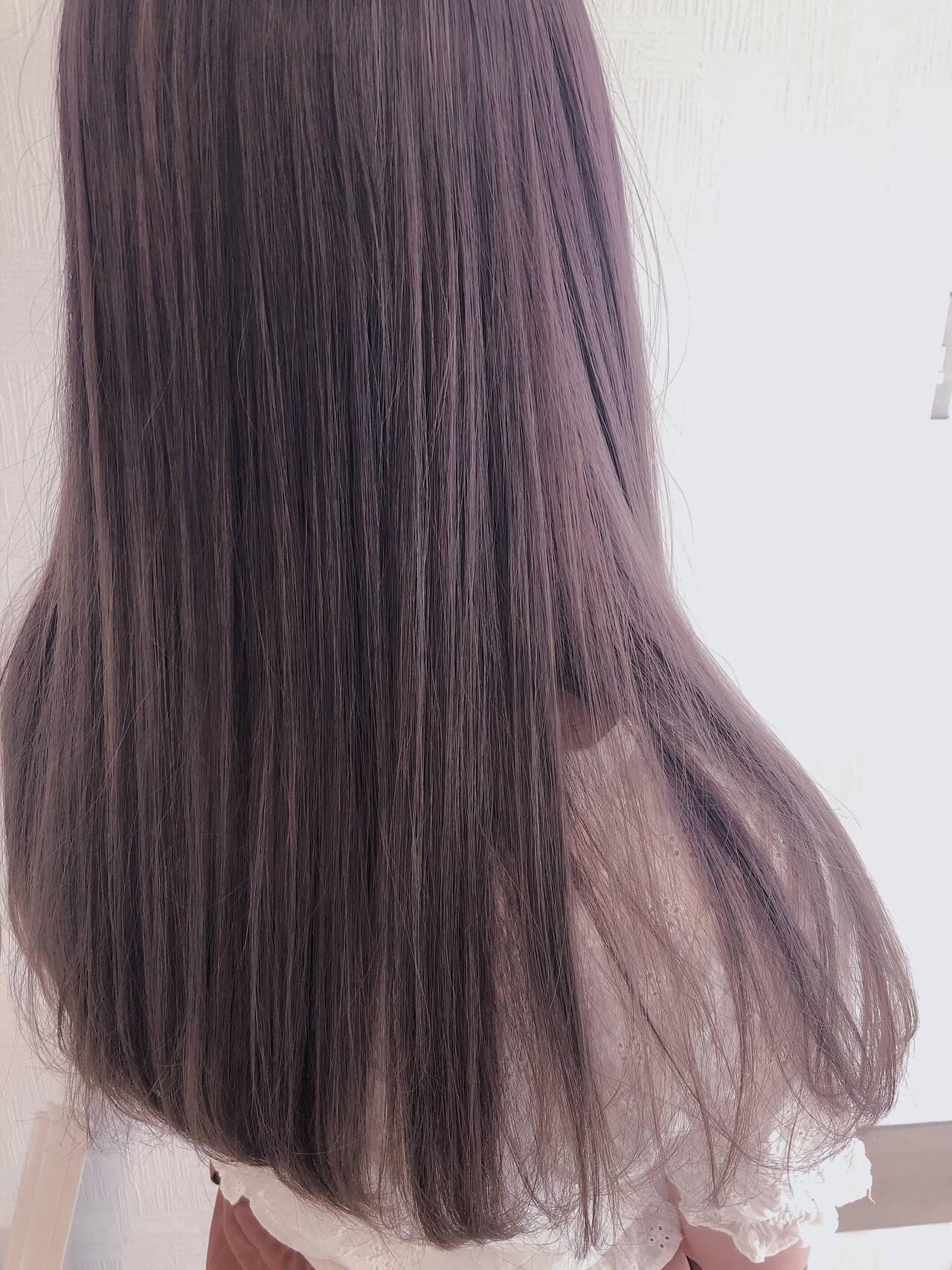 ラベンダーピンク セミロング ラベンダーグレージュ パープルアッシュヘアスタイルや髪型の写真・画像
